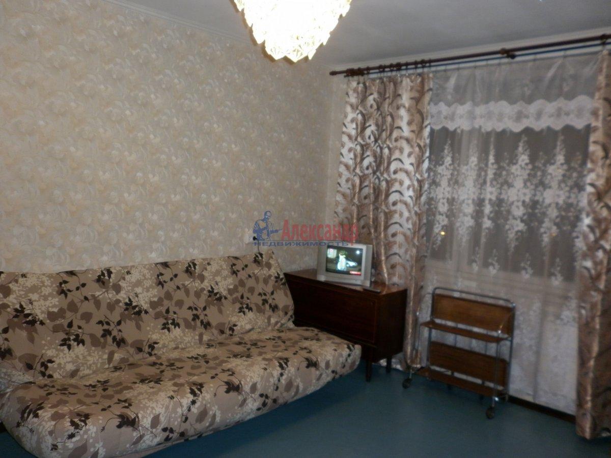 1-комнатная квартира (32м2) в аренду по адресу Подвойского ул., 28— фото 1 из 11