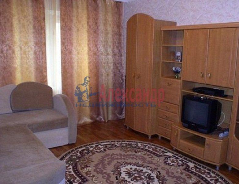 2-комнатная квартира (43м2) в аренду по адресу Будапештская ул., 19— фото 1 из 3
