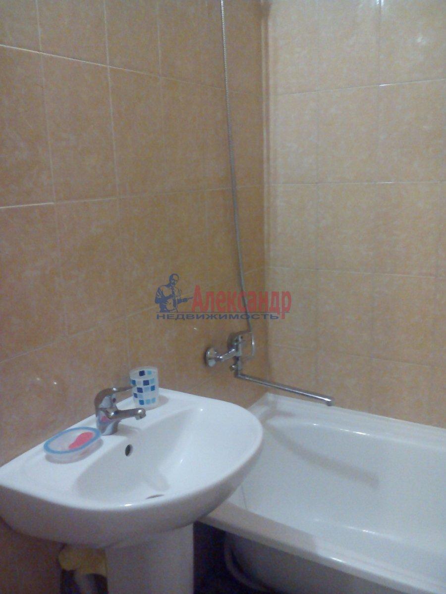 1-комнатная квартира (46м2) в аренду по адресу Кудрово дер., Венская ул., 4— фото 7 из 8