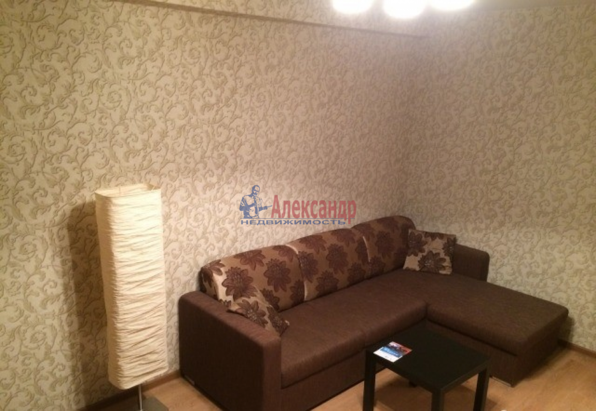1-комнатная квартира (40м2) в аренду по адресу Ленинский пр., 111— фото 6 из 8