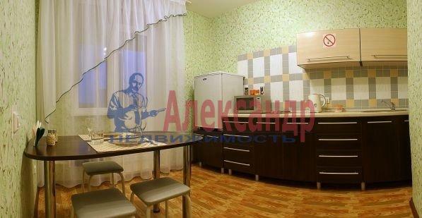 1-комнатная квартира (45м2) в аренду по адресу Счастливая ул., 14— фото 2 из 4