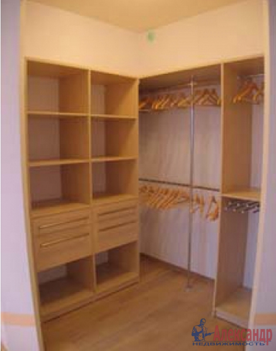 2-комнатная квартира (80м2) в аренду по адресу Воскресенская наб., 4— фото 4 из 4