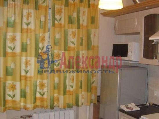 1-комнатная квартира (30м2) в аренду по адресу Чайковского ул., 54— фото 4 из 9