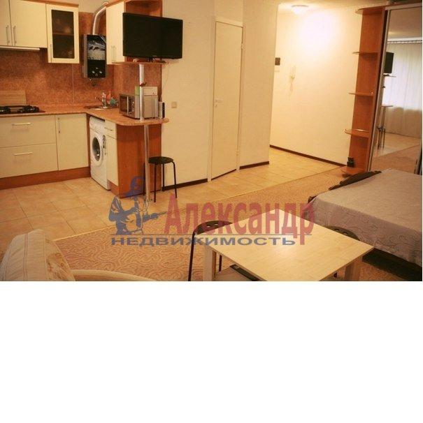 1-комнатная квартира (44м2) в аренду по адресу Ломаная ул., 6— фото 1 из 5