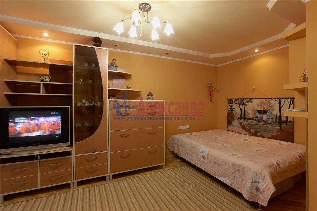 1-комнатная квартира (40м2) в аренду по адресу Коломяжский пр., 20— фото 2 из 3