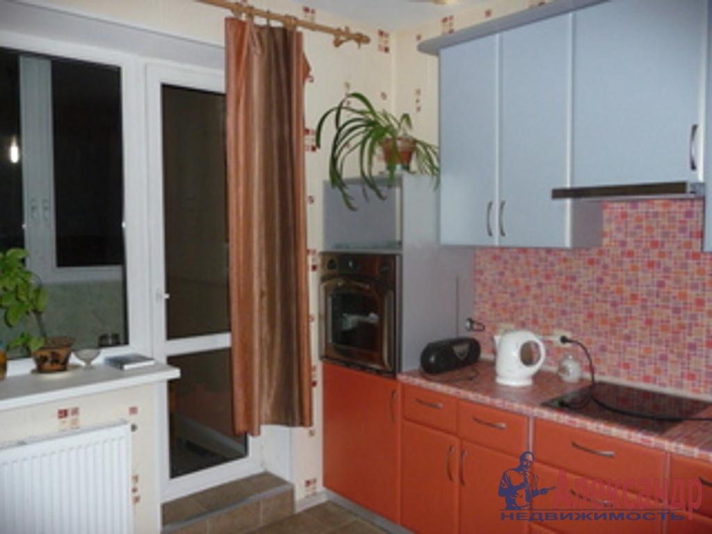2-комнатная квартира (63м2) в аренду по адресу Бухарестская ул., 146— фото 1 из 2