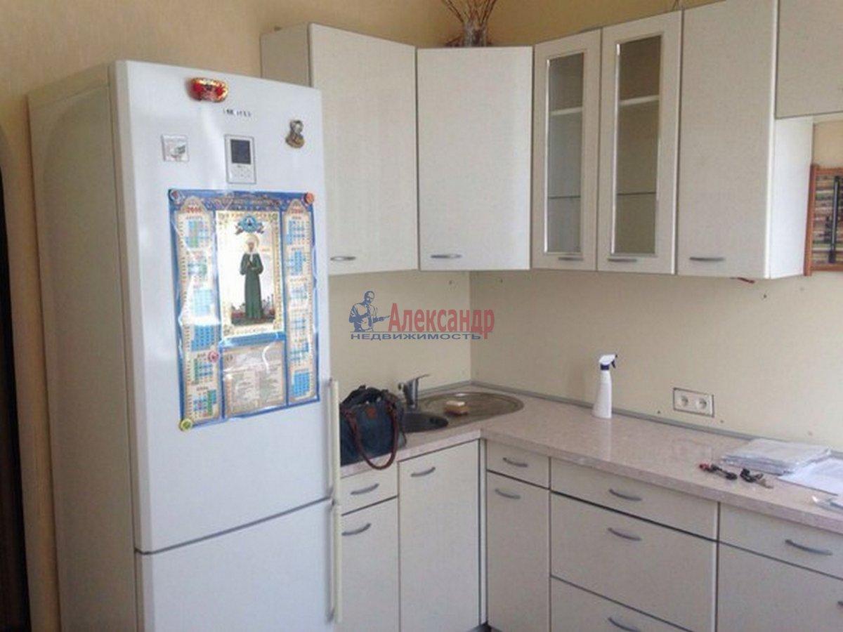 2-комнатная квартира (51м2) в аренду по адресу Тамбовская ул., 3— фото 2 из 9