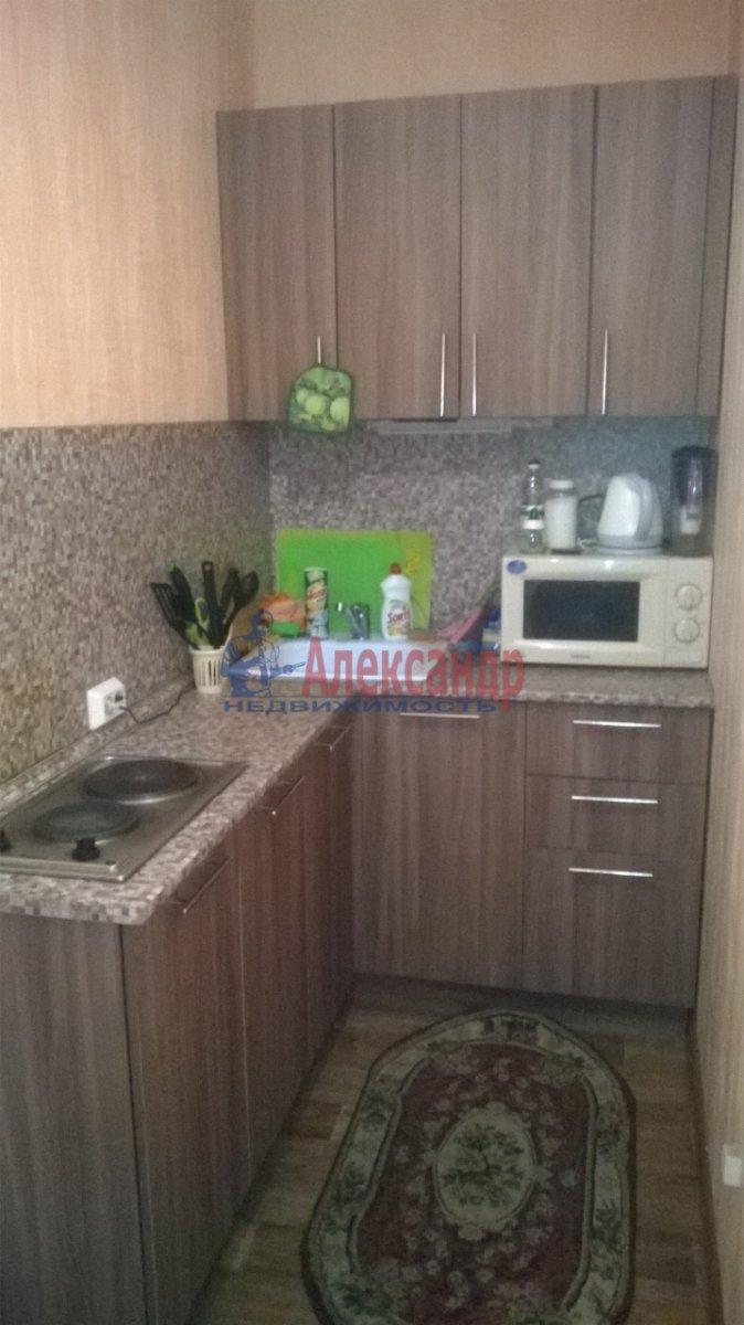 1-комнатная квартира (33м2) в аренду по адресу Дальневосточный пр., 46— фото 1 из 4
