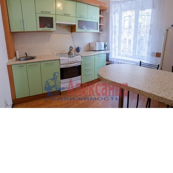 3-комнатная квартира (80м2) в аренду по адресу Большой пр., 71— фото 2 из 5
