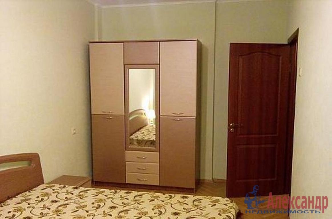 2-комнатная квартира (55м2) в аренду по адресу Наличная ул., 3— фото 2 из 4