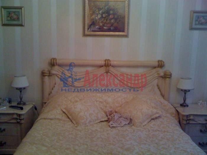 1-комнатная квартира (60м2) в аренду по адресу 10 Советская ул., 4— фото 2 из 9