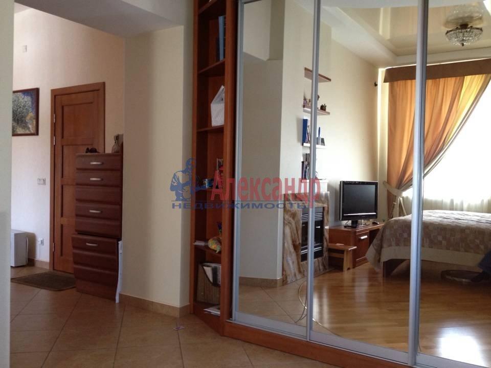 2-комнатная квартира (51м2) в аренду по адресу Васи Алексеева ул., 14— фото 1 из 9