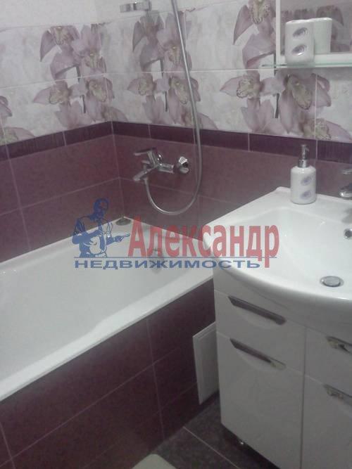 2-комнатная квартира (70м2) в аренду по адресу Автовская ул., 15— фото 8 из 9