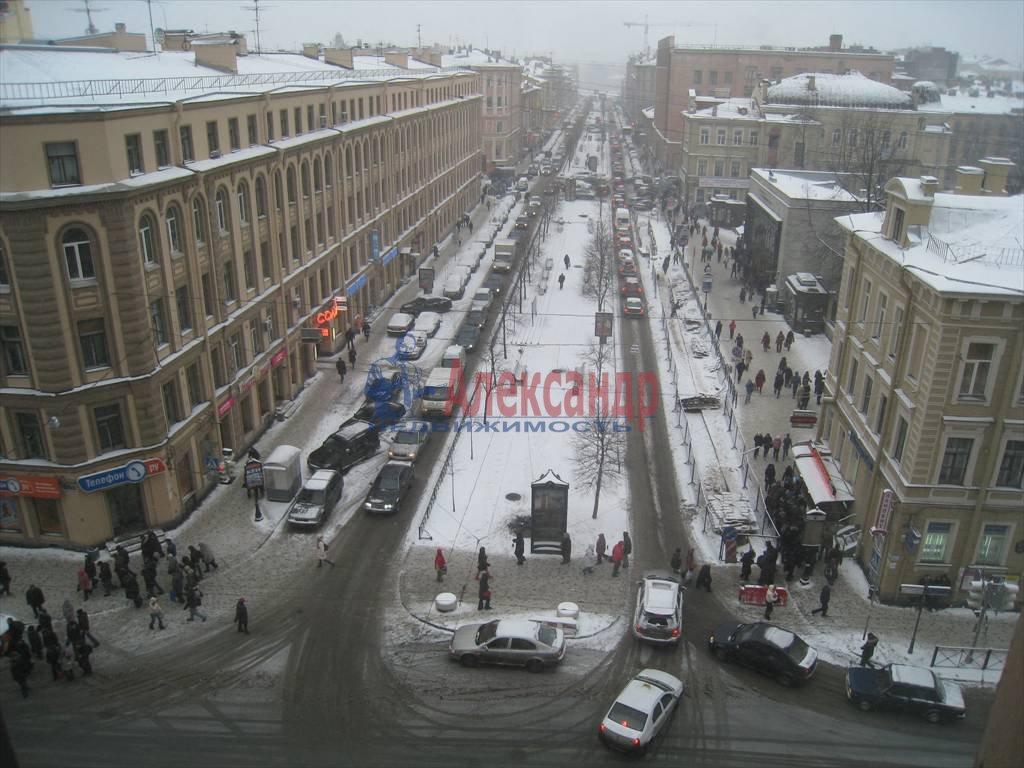 4-комнатная квартира (130м2) в аренду по адресу Кирочная ул., 17— фото 3 из 3