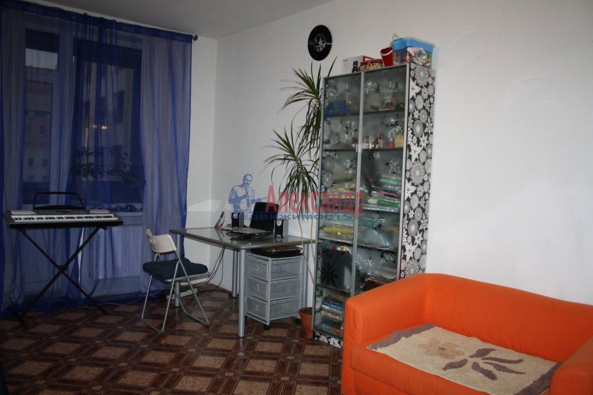 2-комнатная квартира (80м2) в аренду по адресу Яхтенная ул., 3— фото 3 из 6
