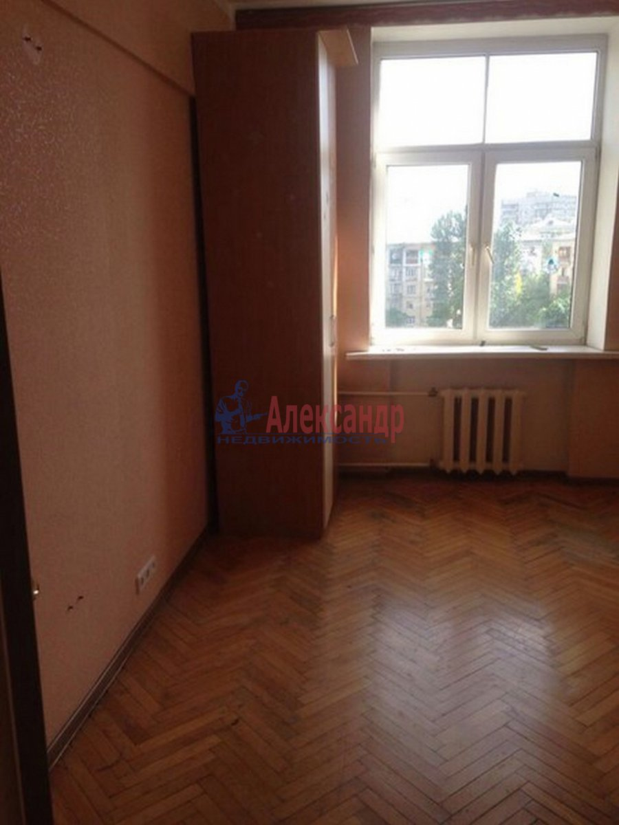2-комнатная квартира (51м2) в аренду по адресу Тамбовская ул., 3— фото 3 из 9