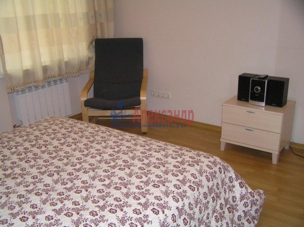 1-комнатная квартира (46м2) в аренду по адресу Шаврова ул., 13— фото 3 из 3