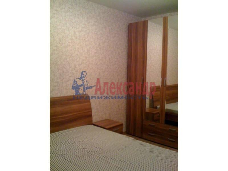 2-комнатная квартира (72м2) в аренду по адресу Космонавтов просп., 69— фото 3 из 5