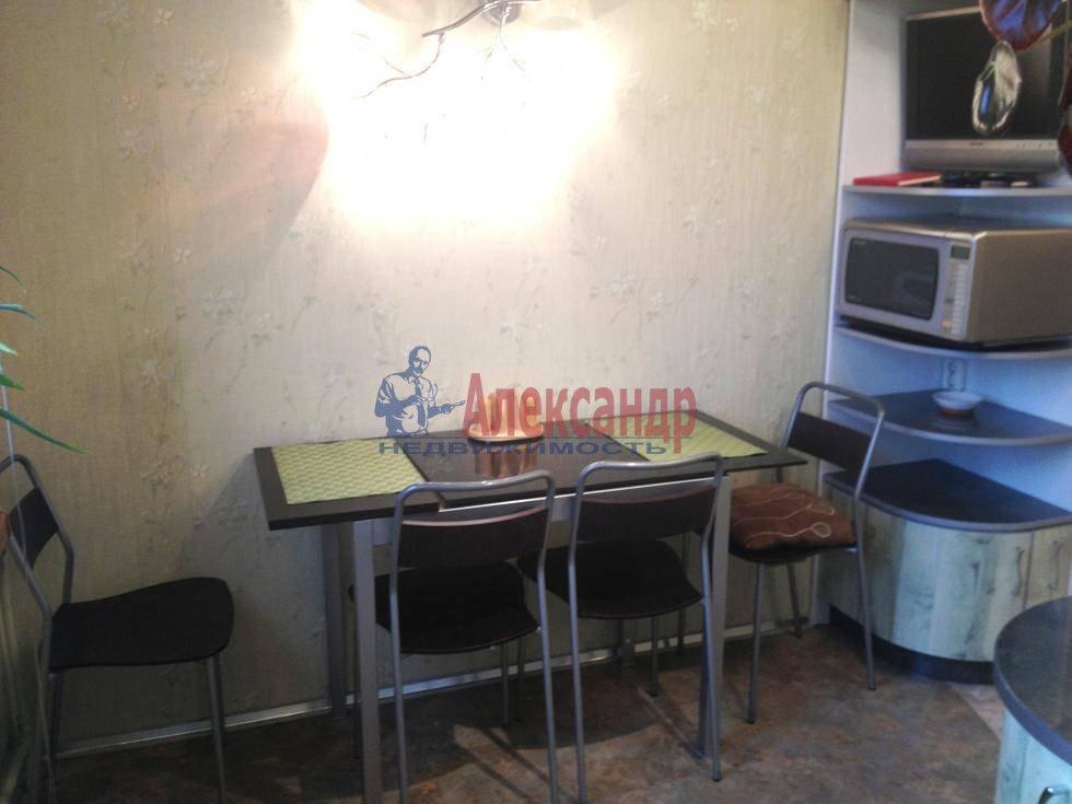 2-комнатная квартира (60м2) в аренду по адресу Испытателей пр., 6— фото 2 из 16