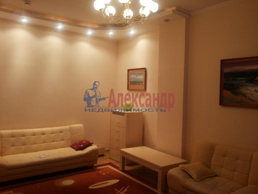 1-комнатная квартира (42м2) в аренду по адресу Белы Куна ул., 1— фото 2 из 4