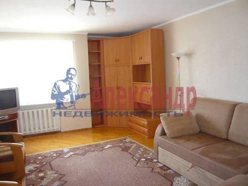 2-комнатная квартира (59м2) в аренду по адресу Богатырский пр., 9— фото 3 из 7