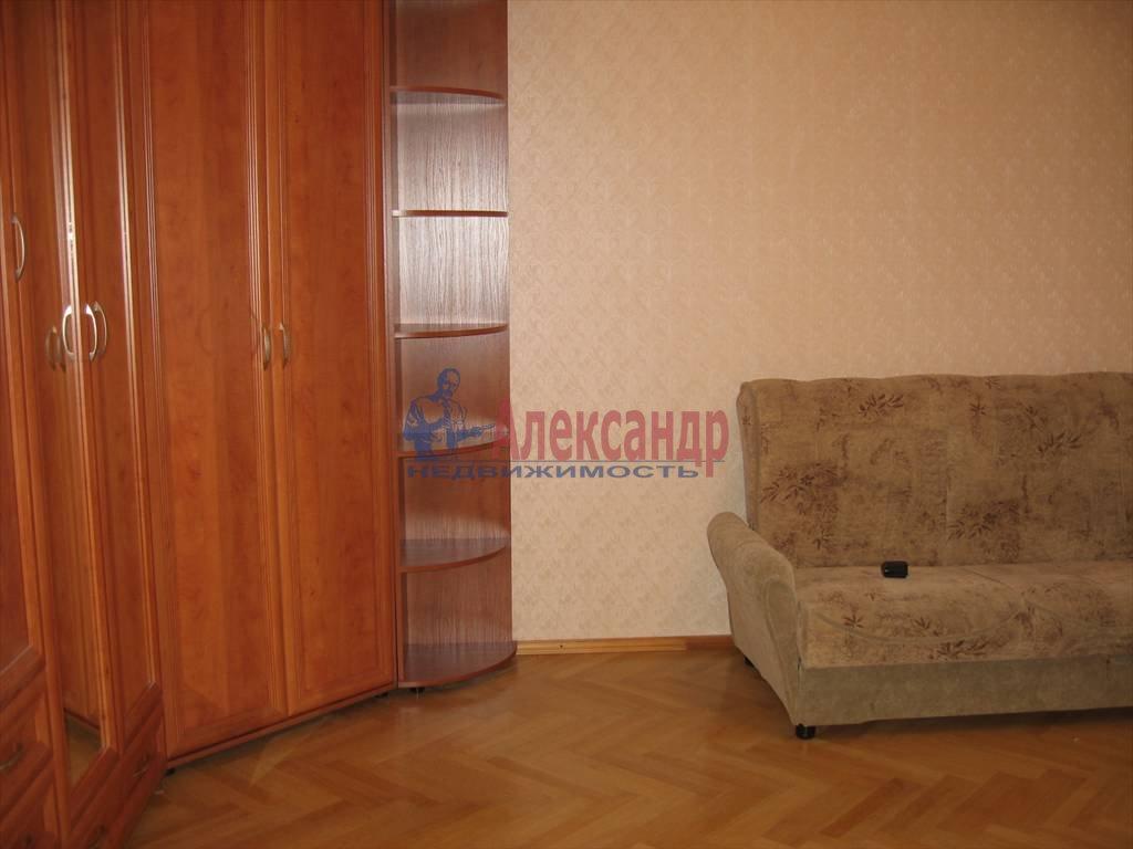 1-комнатная квартира (45м2) в аренду по адресу Кораблестроителей ул., 32— фото 8 из 14