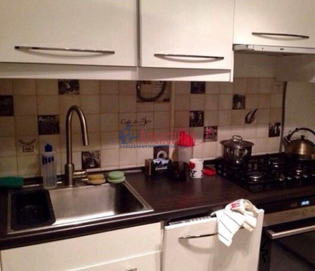 1-комнатная квартира (44м2) в аренду по адресу Авиаконструкторов пр., 47— фото 2 из 2