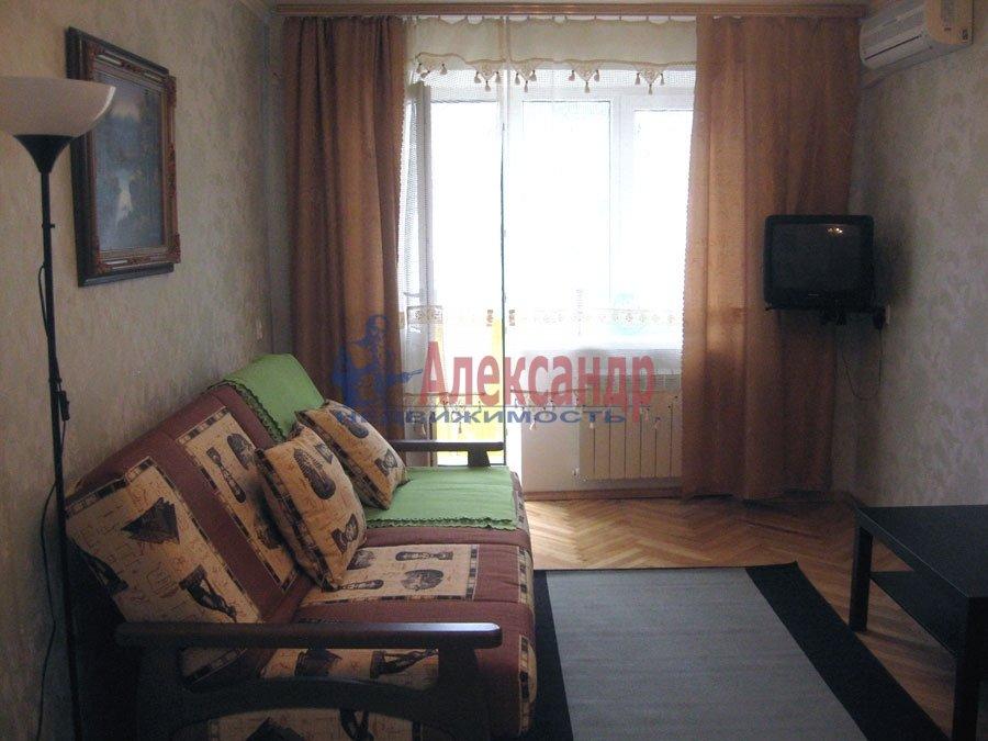 3-комнатная квартира (110м2) в аренду по адресу 6 Красноармейская ул.— фото 1 из 2