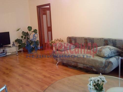 2-комнатная квартира (75м2) в аренду по адресу Стачек пр., 92— фото 5 из 5