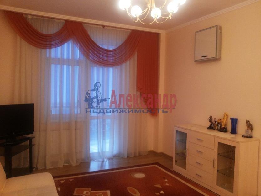 1-комнатная квартира (42м2) в аренду по адресу Белы Куна ул., 1— фото 1 из 4