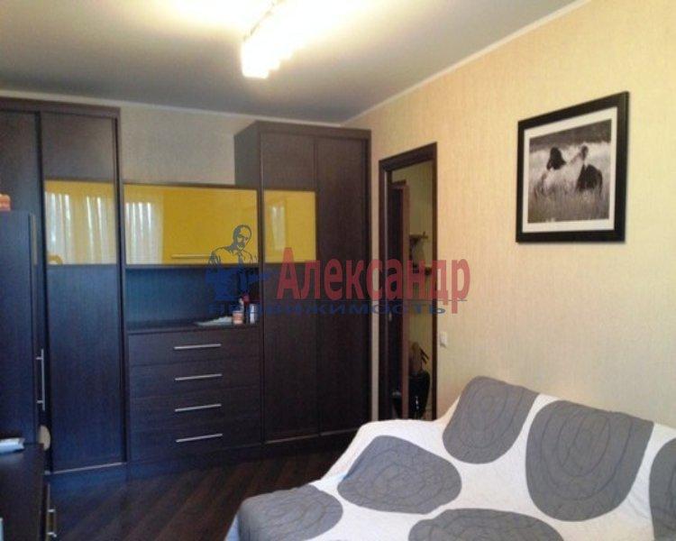 2-комнатная квартира (65м2) в аренду по адресу Авиаконструкторов пр., 17— фото 2 из 3