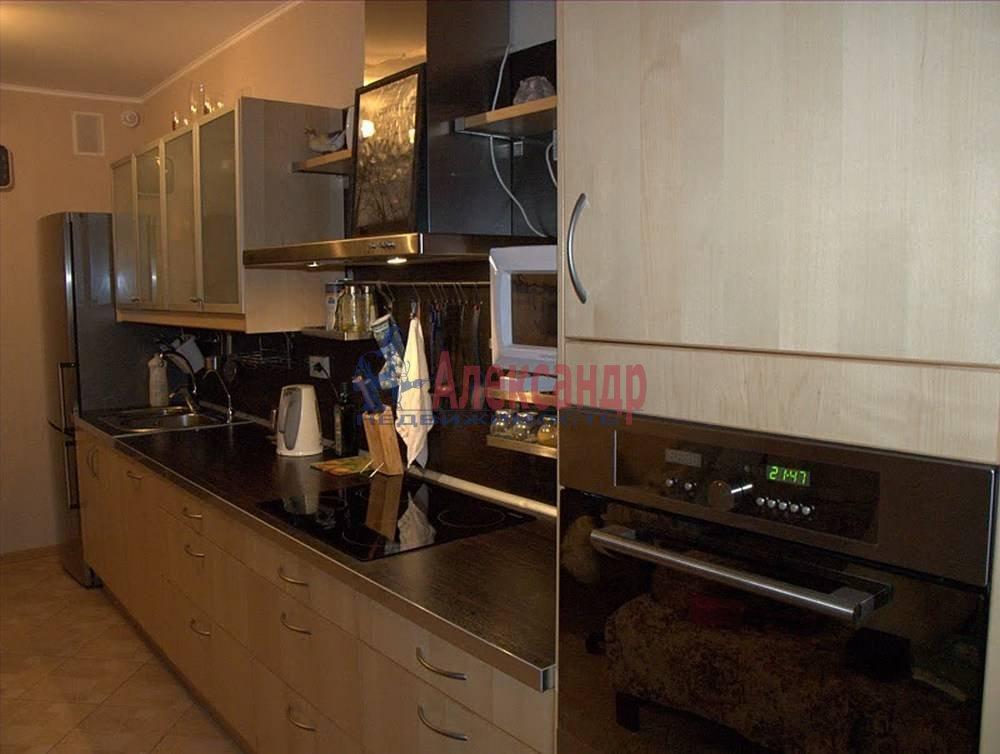 2-комнатная квартира (65м2) в аренду по адресу Бутлерова ул., 40— фото 4 из 14