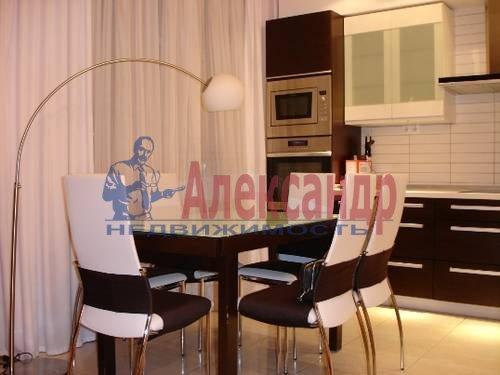 2-комнатная квартира (80м2) в аренду по адресу Кременчугская ул., 11— фото 2 из 9