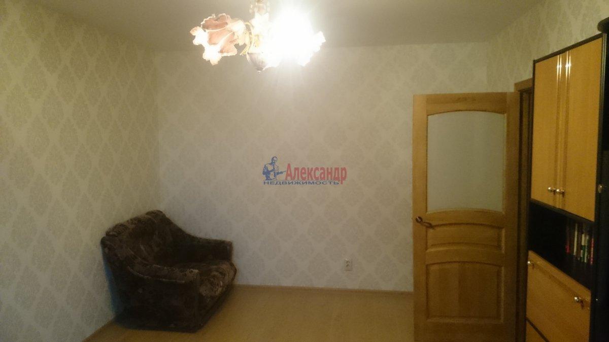 1-комнатная квартира (40м2) в аренду по адресу Маршала Казакова ул., 32/1— фото 3 из 10