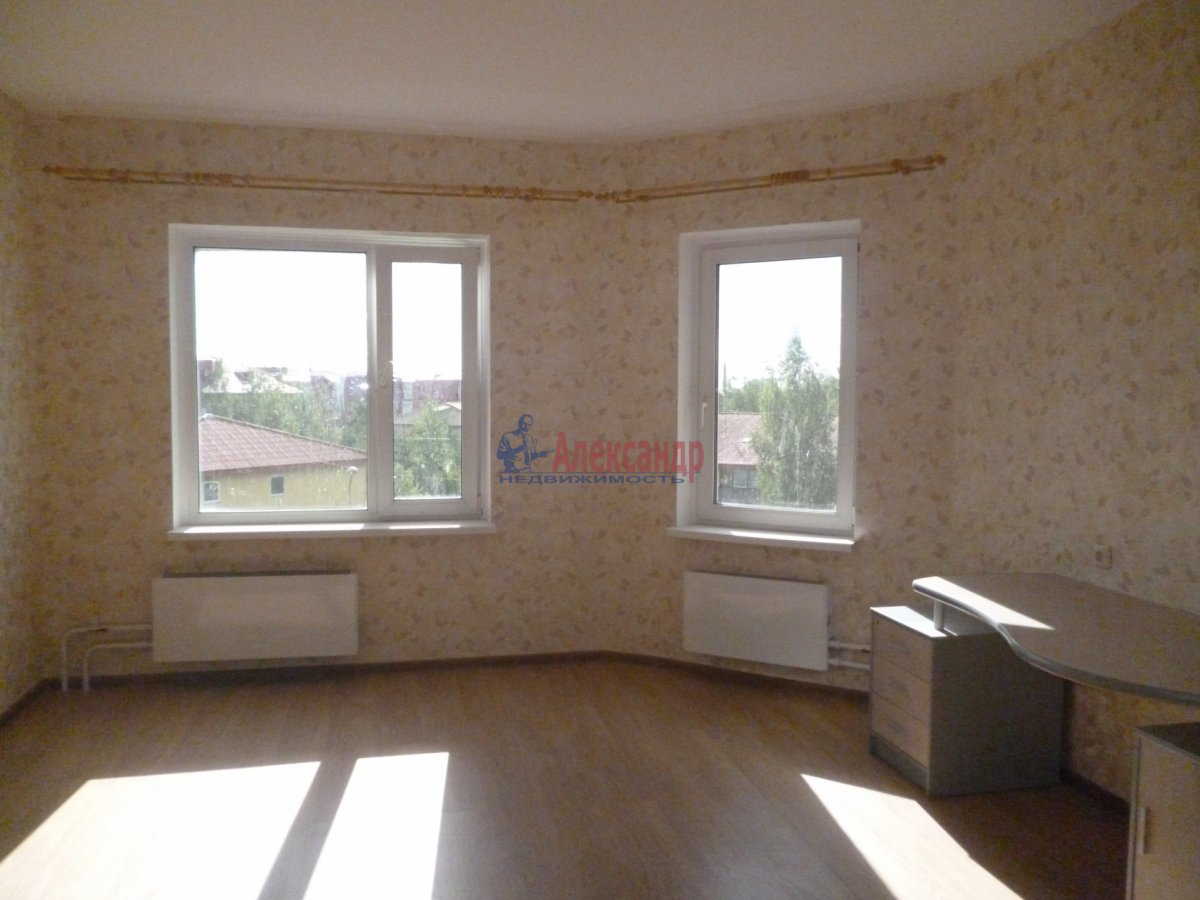 3-комнатная квартира (76м2) в аренду по адресу Пушкин г., Саперная ул., 48— фото 4 из 17