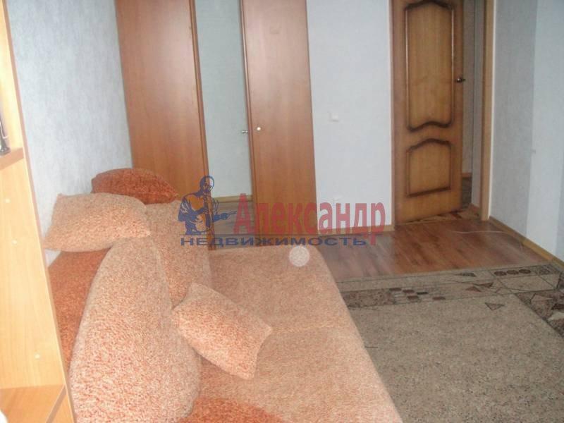 3-комнатная квартира (59м2) в аренду по адресу Богатырский пр., 32— фото 1 из 6