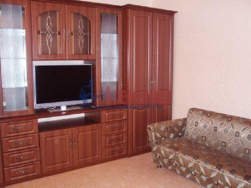 1-комнатная квартира (37м2) в аренду по адресу Народного Ополчения пр., 7— фото 3 из 3