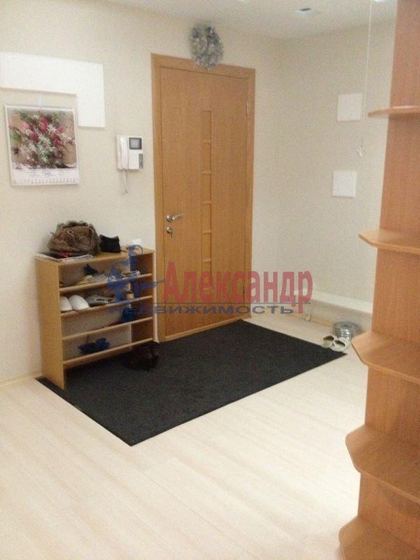 1-комнатная квартира (35м2) в аренду по адресу Ушинского ул., 2— фото 2 из 2