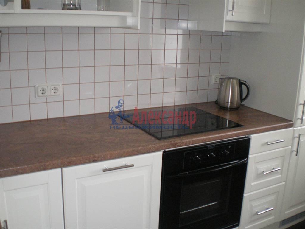 2-комнатная квартира (80м2) в аренду по адресу Большой Сампсониевский просп., 82— фото 6 из 7