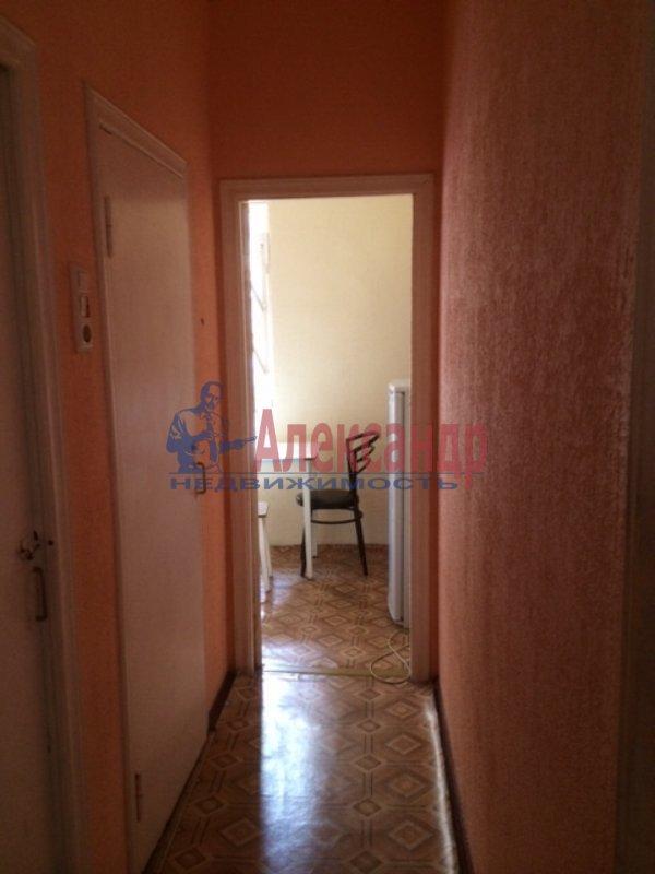 2-комнатная квартира (33м2) в аренду по адресу 6 Красноармейская ул., 2— фото 4 из 6