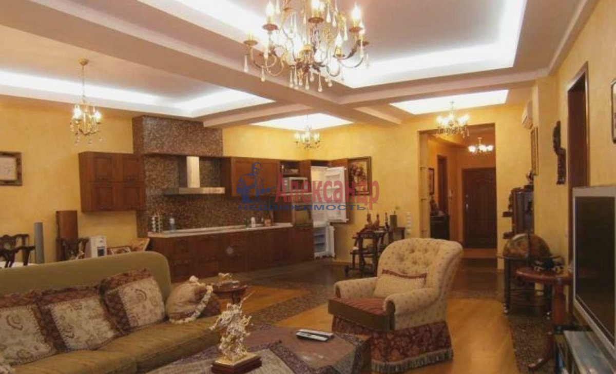 3-комнатная квартира (115м2) в аренду по адресу Волховский пер., 4— фото 1 из 4