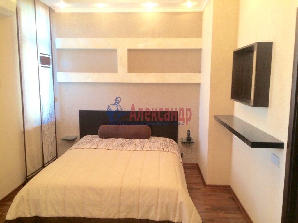 4-комнатная квартира (130м2) в аренду по адресу Бассейная ул., 10— фото 1 из 17