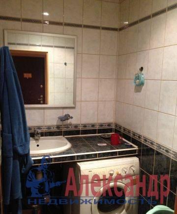 2-комнатная квартира (45м2) в аренду по адресу Новоизмайловский просп., 44— фото 4 из 4