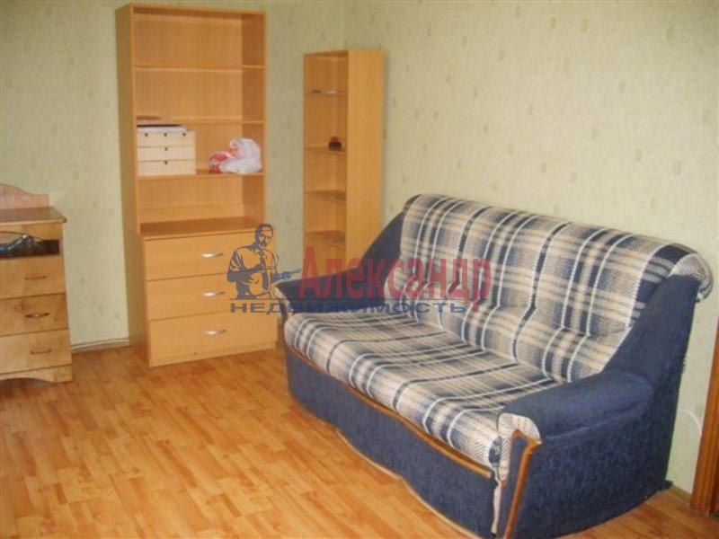 1-комнатная квартира (45м2) в аренду по адресу Учебный пер., 2— фото 1 из 7