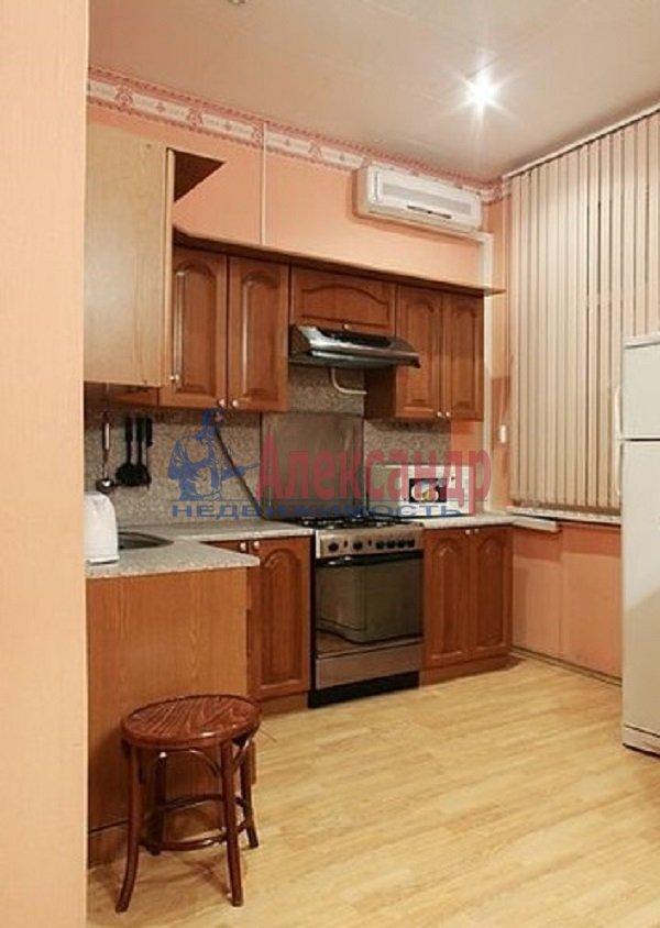Комната в 3-комнатной квартире (85м2) в аренду по адресу Моховая ул., 39— фото 2 из 6