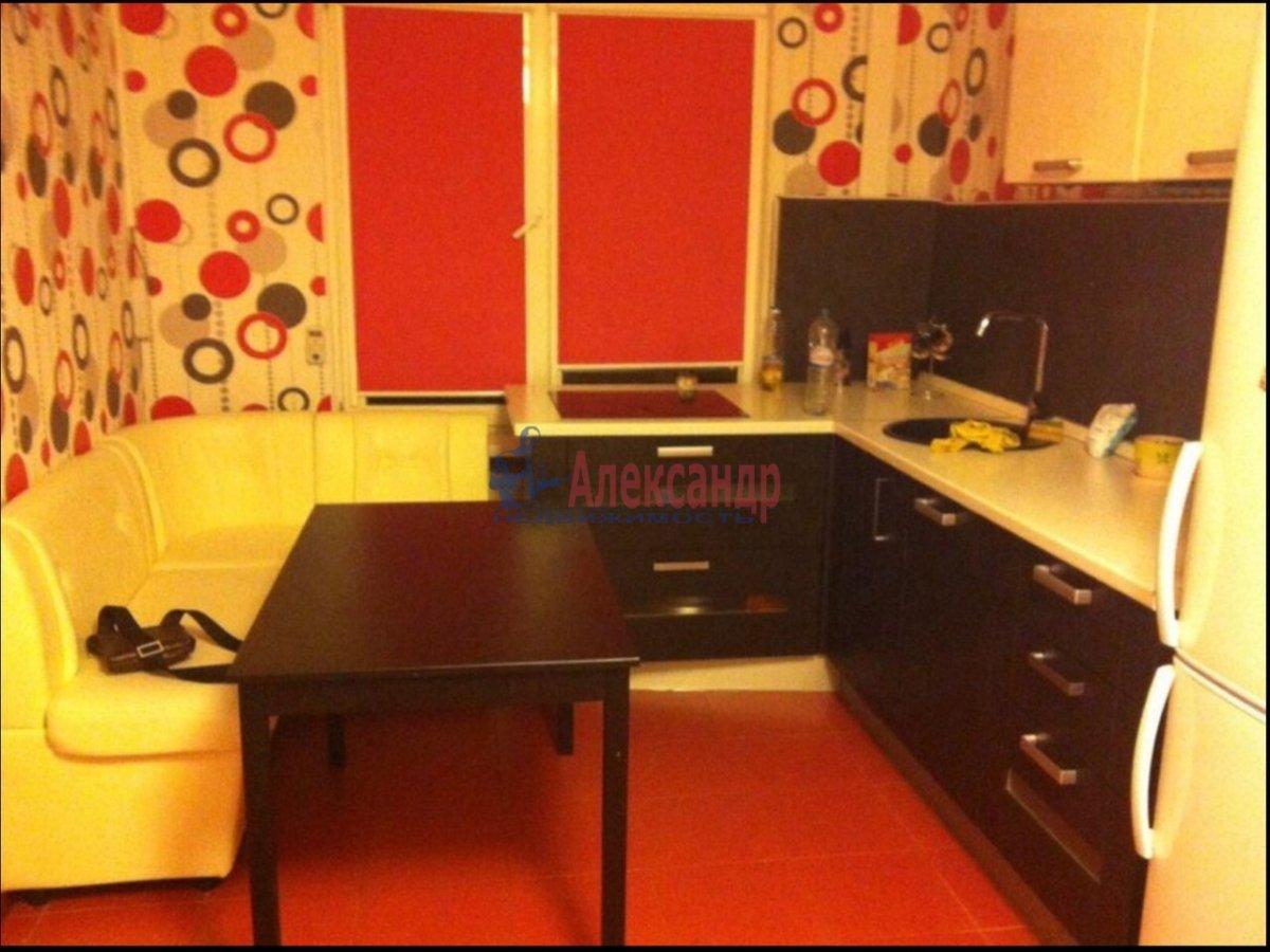 1-комнатная квартира (40м2) в аренду по адресу Корпусная ул., 9— фото 1 из 5