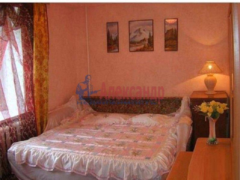 2-комнатная квартира (43м2) в аренду по адресу Будапештская ул., 19— фото 2 из 3