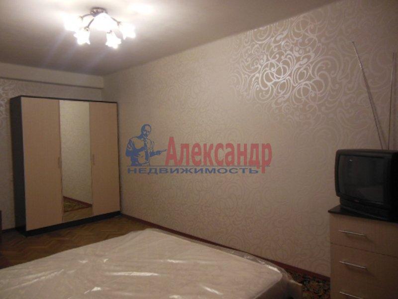 2-комнатная квартира (49м2) в аренду по адресу Космонавтов просп., 52— фото 3 из 8