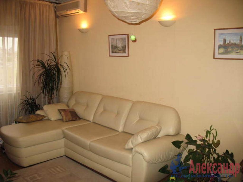2-комнатная квартира (44м2) в аренду по адресу Кузнецова пр., 25— фото 1 из 3