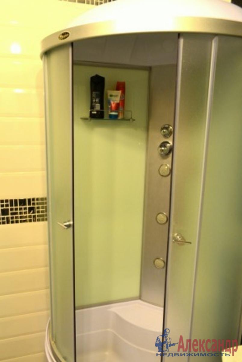 Комната в 3-комнатной квартире (45м2) в аренду по адресу Олеко Дундича ул., 8— фото 3 из 3